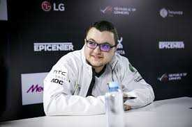 esports star Ivan Ivanov gamer