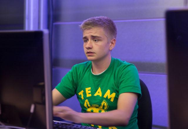 esports star Johan Sundstein gamer
